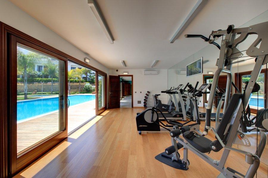 Gimnasios para urbanizaciones: 5 claves para cumplir una rutina de ejercicios sin abandonar