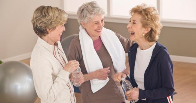 Los gimnasios para urbanizaciones fomentan el envejecimiento sano