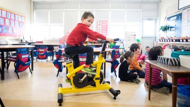 Bicicletas estáticas en el aula