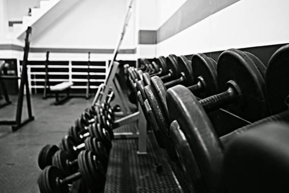 Rutina de entrenamiento en gimnasios para hoteles