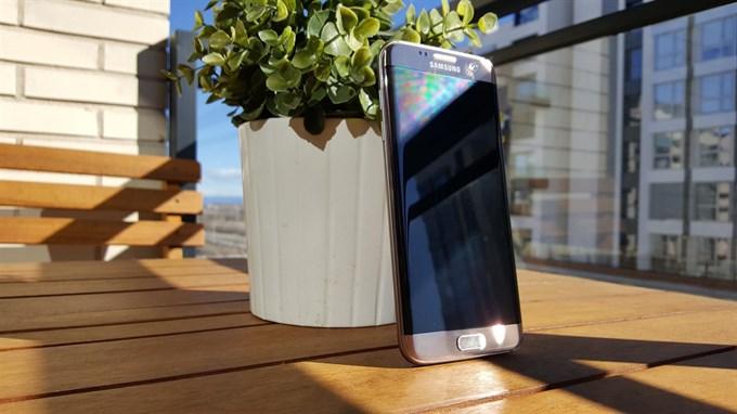 Samsung Galaxy S7 edge reconocido como Smartphone accesible