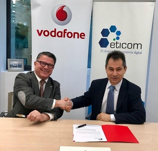 Vodafone entra en el Clúster de la Economía Digital de Andalucía (Eticom)