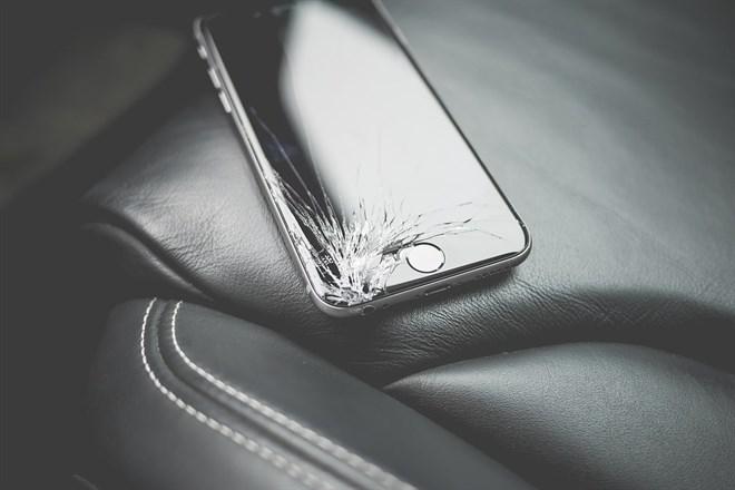 Apple crea una herramienta que mide los daños de un móvil en una caída