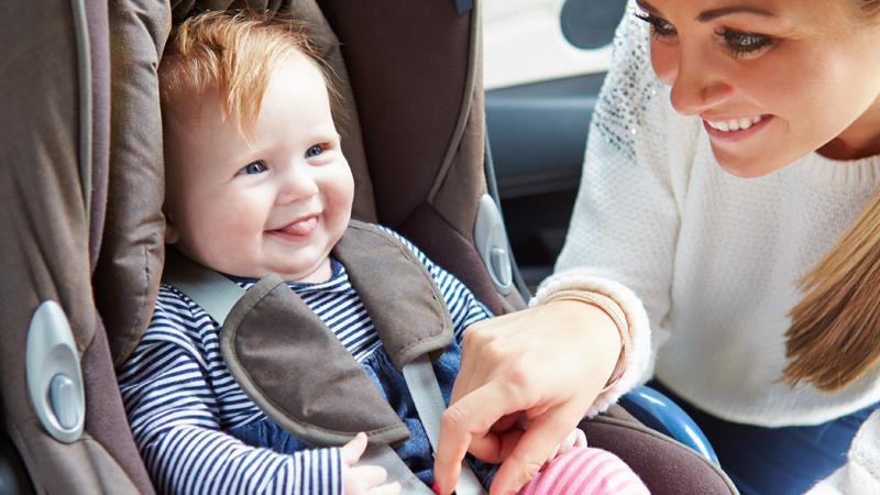Consejos para utilizar de forma correcta las sillas de auto de bebé