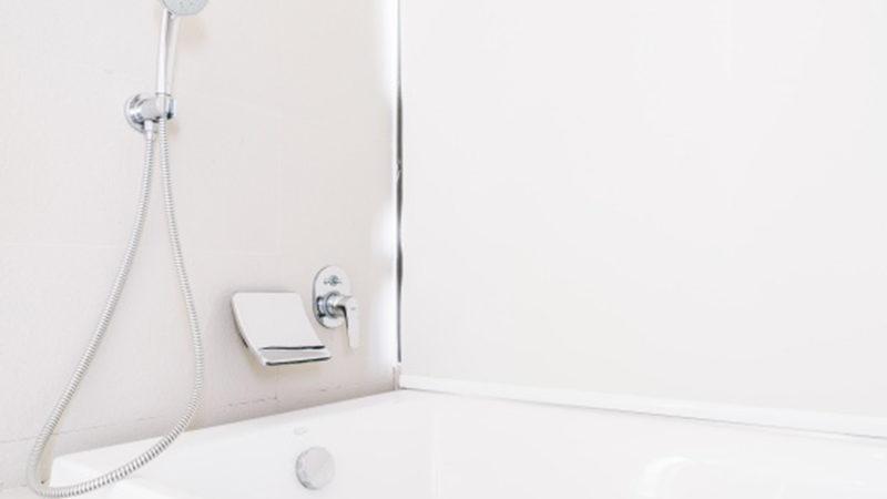 Grifos de ducha: elementos clave para un baño saludable
