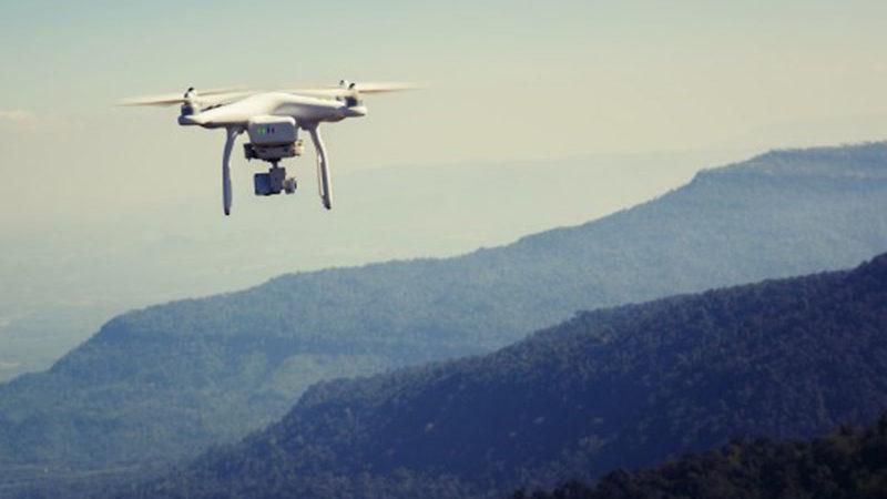 ¿Alquiler de drones con o sin piloto?