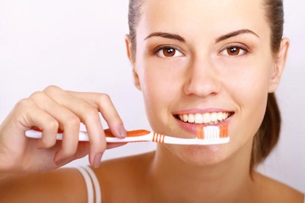 Dentistas en Alcalá de Henares explican las claves para tener una boca sana