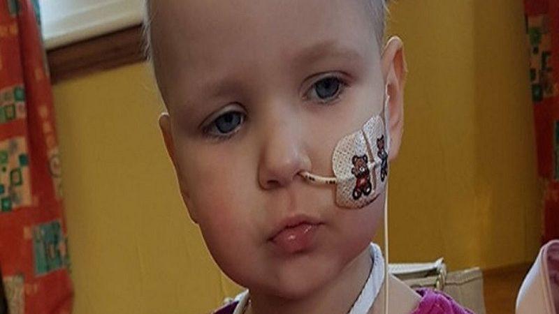 Madre salva la vida de su hija al identificar con Internet que tenía cáncer
