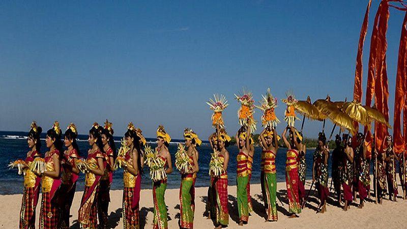 Bali decidió que no se utilice Internet en el móvil para celebrar el año nuevo