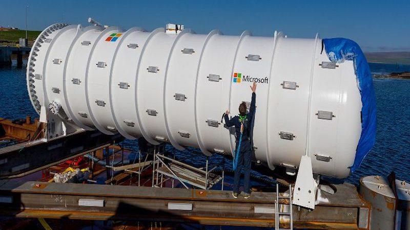 Microsoft introduce servidores sostenibles en el fondo del mar