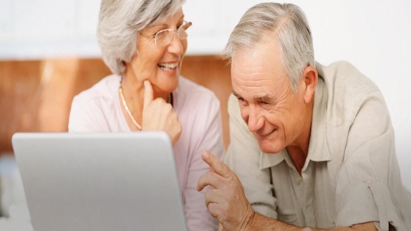 Vodafone participa en un programa de aprendizaje tecnológico para personas mayores