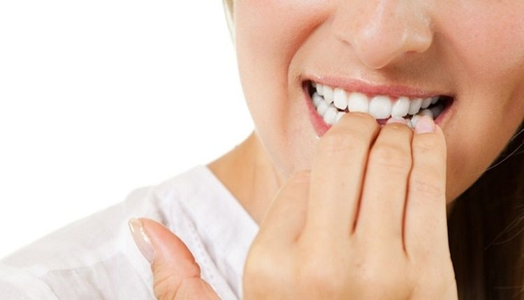 Dentistas en Alcalá de Henares hablan de la onicofagia y de cómo afecta a la salud dental