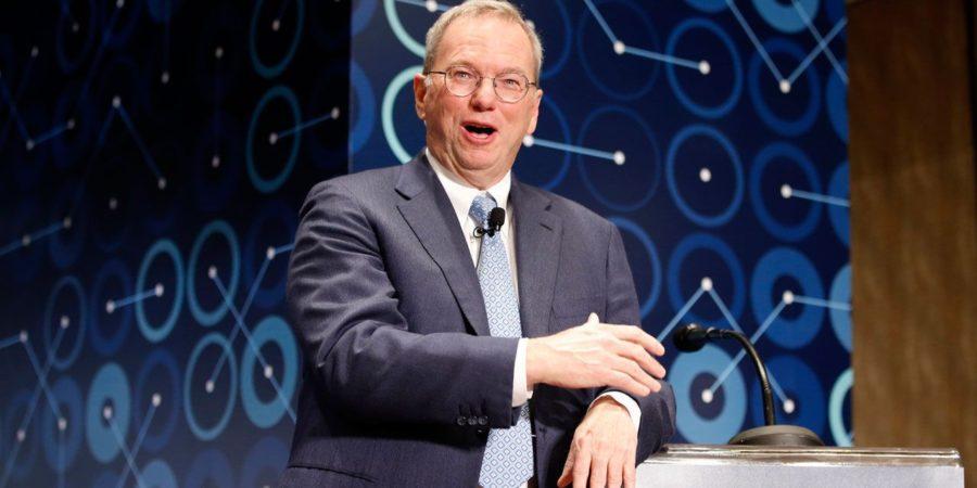 """El ex CEO de Google predice que Internet """"se dividirá en dos"""""""
