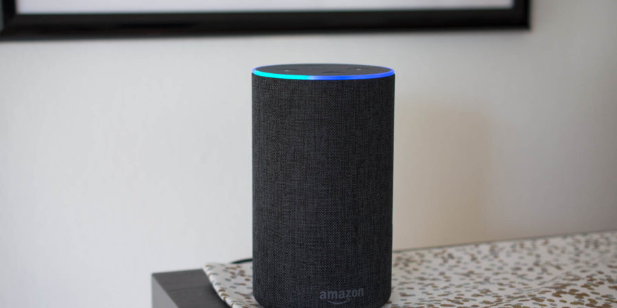 Amazon lanza su asistente virtual Alexa y el Echo en España