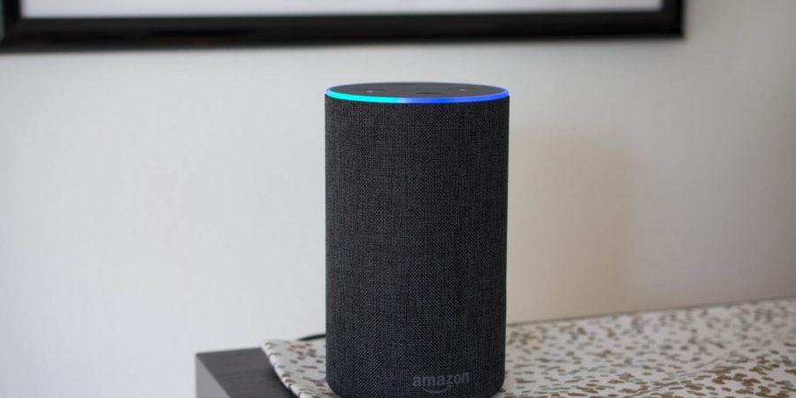Amazon lanza su asistente virtual Alexa y el Echo en España