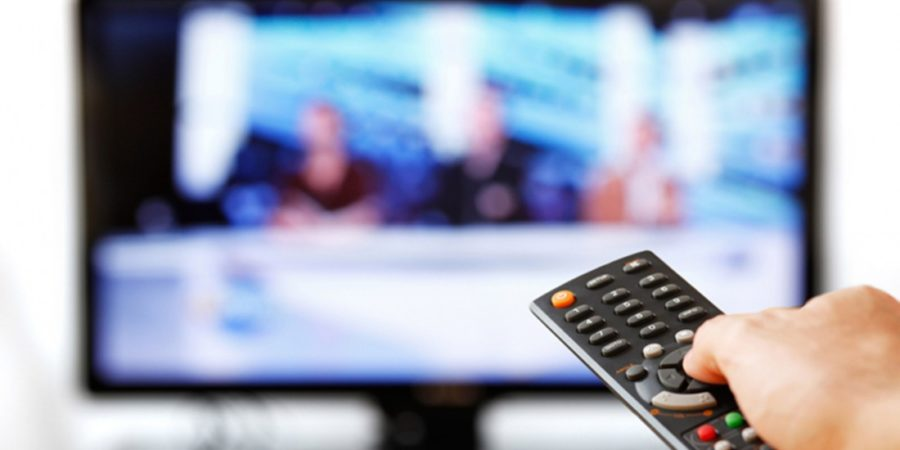 Baja el consumo medio de televisión, mientras que sube el de Internet