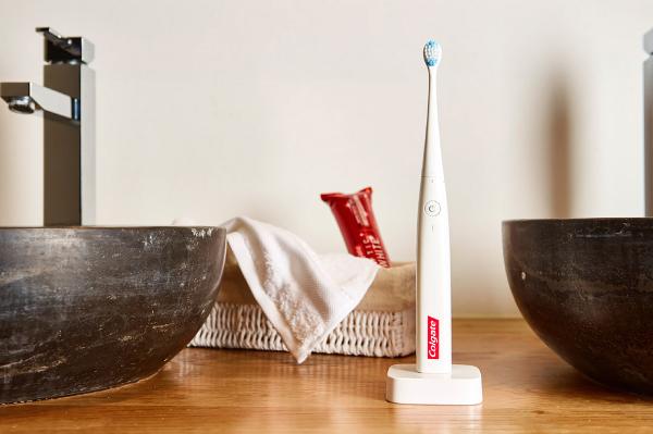 Connect E1, así es el cepillo de dientes con Inteligencia Artificial de Colgate