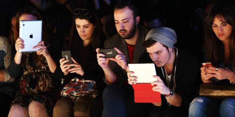 La juventud española prefiere la tecnología a las fiestas
