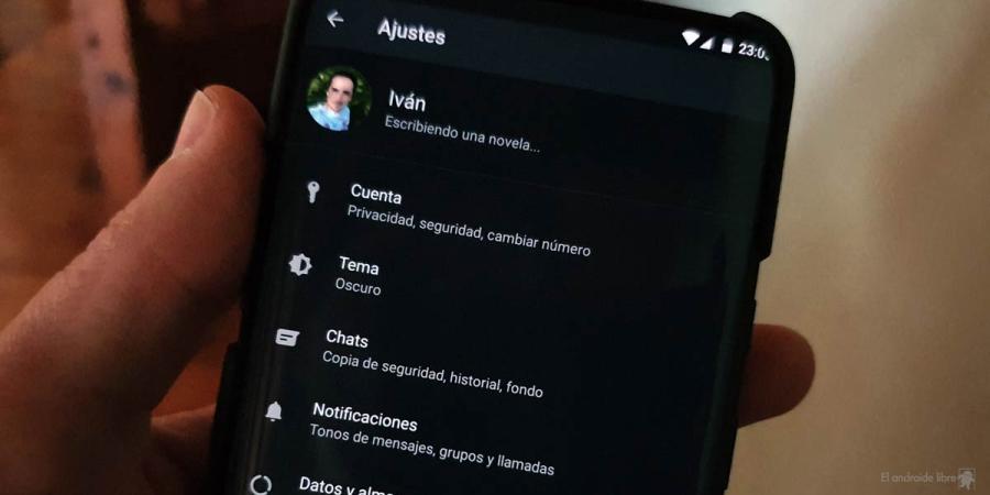 WhatsApp activa el modo oscuro según los ajustes de ahorro de energía