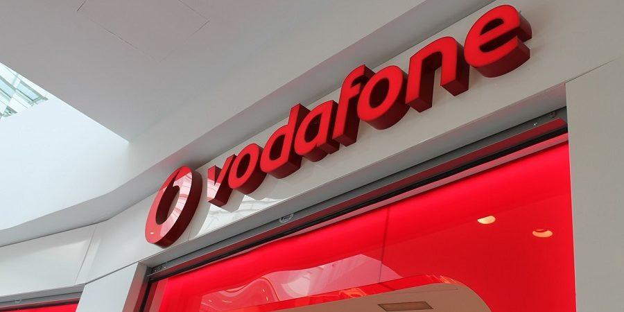 Vodafone evalúa la externalización de sus tiendas propias para evitar cerrarlas